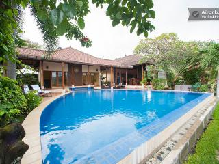 Araminth,luxury 4/5bed spa villa,ocean view,Lovina - Lovina vacation rentals