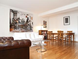 41. LARGE & CENTRAL APARTMENT-ST GERMAIN DES PRÈS - 5th Arrondissement Panthéon vacation rentals
