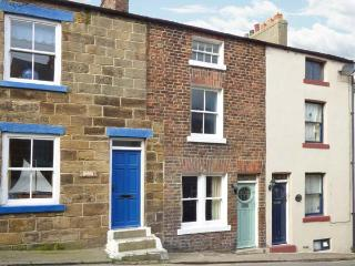 CLEVELYN, pet-friendly, woodburner, close to the coast, beautiful accommodation in Staithes, Ref. 903593 - Staithes vacation rentals