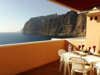 Holiday apartment with 45m² floor area  19 m² terrace with stunning views - ES-1077276-Los Gigantes-Santiago del Teide - Tenerife vacation rentals