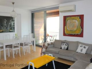 Valbom Apartment - Cascais vacation rentals