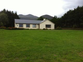 SLIEVE COTTAGE 4 Bed Detached Beaufort  Sleep 7 - Caragh Lake vacation rentals
