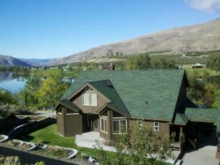 Large waterfront home - just 7 min to Lake Chelan! - Orondo vacation rentals