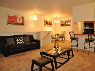 Welcome to the center of NYC, Brooklyn! - New York City vacation rentals