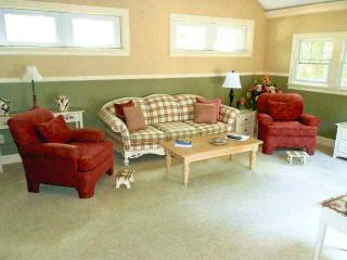 Beautiful spacious 3 bedroom home (sleeps 7) with additonal family room - DE0549 - Dennis vacation rentals