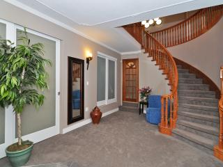 Spacious 4 Bedroom Vancouver Commercial Drive Area Home Close to  Amenities - Vancouver Coast vacation rentals