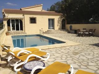 COMFORTABLE VILLA WITH PRIVATE POOL, SEA AND MOUNTAIN VIEW - Costa Blanca vacation rentals