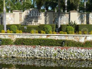 Fort Myers Golf Course Condo - Fort Myers vacation rentals