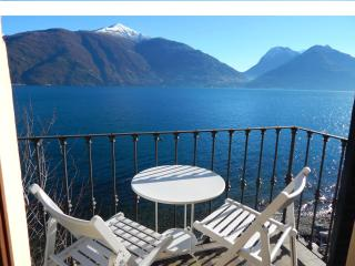 beautiful apartment directly on the lake near menaggio - San Siro vacation rentals