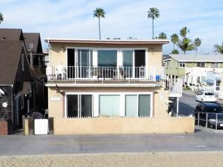 Modern, Cozy One Bedroom Oceanfront Getaway! - Newport Beach vacation rentals