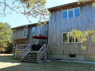 1674 - Spacious Contemporary with Air Conditioning - Edgartown vacation rentals