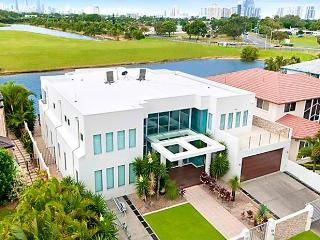 THE WHITE HOUSE GC - Gold Coast vacation rentals