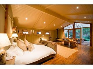 LUXURY 1 BRM TUSSIE MUSSIE VINEYARD - Hamilton Island vacation rentals