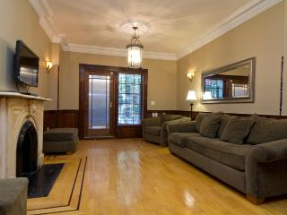 Sleeps 10! 4 Bed/3 Bath Apartment, Midtown East, Awesome! (8268) - New York City vacation rentals