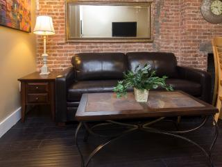 Sleeps 5! 2 Bed/1 Bath Apartment, Times Square, Awesome! (8367) - New York City vacation rentals