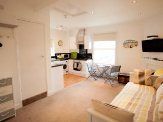 Beautiful Heene Terrace beach studio - Worthing vacation rentals