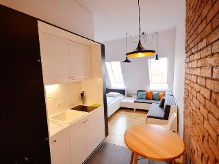 Apartment4you Kwiatowa 4 - Poznan vacation rentals