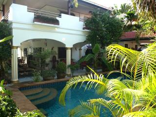 ROYAL VILLA WITH VERY PRIVATE SWIMMING POOL - Pattaya vacation rentals