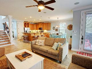 Beautimus - Book Online! 4 Bdrm/3.5 Ba in Villages of Crystal Beach! Book Now! Buy 3 Nights or More Get One FREE! - Destin vacation rentals