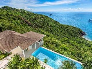 Ocean view Bayamo villa with pool & separate bungalows for ultimate privacy - Colombier vacation rentals