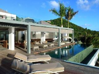 Sumptuous villa Artifact with heated pool & bedrooms in 3 separate buildings - Corossol vacation rentals