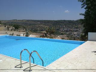 VILLA CARRUBO:luxury villa with private pool, sauna and jacuzzi - Sicily vacation rentals