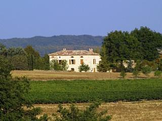 Lovely white stone country house in vineyard region of Southern France ~ Gatehouse - Tarn vacation rentals