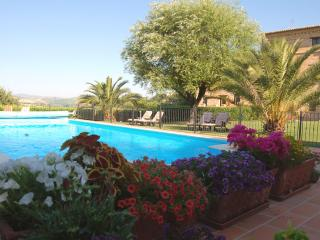 Luxury apartments in a stunning Country House - Mogliano vacation rentals