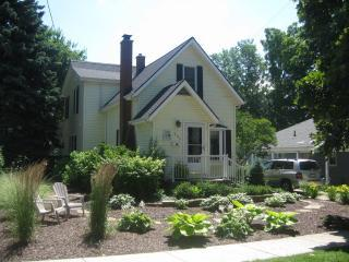 BeachPark Place - BeachPark Place - 609 St. Joseph St. (near beach) - South Haven - rentals