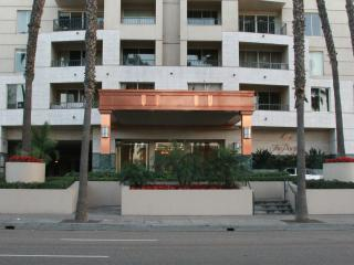 LONG BEACH LUXURY HIGH-RISE OCEAN  CONDO 14TH FLOOR - Long Beach vacation rentals