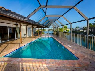 Marlin Villa on water. Heated Pool. Walk to Beach - Naples vacation rentals