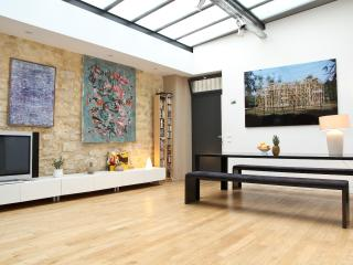30. MARAIS - SPACIOUS HOUSE - MODERN DESIGN - 3rd Arrondissement Temple vacation rentals