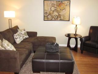 Spacious 2 Queen Bed Executive Home - Murfreesboro - Murfreesboro vacation rentals