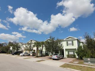 Gated, 5Br/3Ba, sleep 12, 6mi to Disney, WiFi - Disney vacation rentals