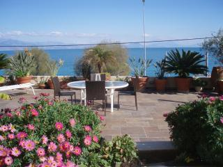 Xylokastro Sikia private suite on the sea - Peloponnese vacation rentals