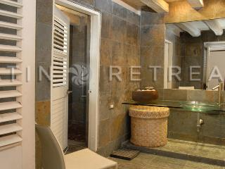 Old city 8 bedrooms/8 baths with Pool and terrace ( La Paloma ) - Cartagena - Cartagena District vacation rentals