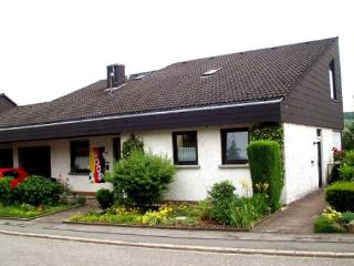 Vacation Apartment in Konz - 323 sqft, central, proven, cozy (# 4875) - Rhineland-Palatinate vacation rentals