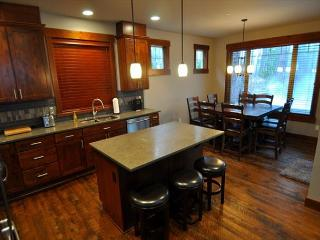 Luxury Vacation Home in Suncadia!  4 BR | Slps 11 |  Hot Tub! Sumr Specials!! - Cle Elum vacation rentals