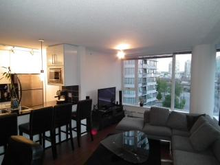 Conveniently located Vancouver Downtown Condo with spa like amenities - Vancouver vacation rentals