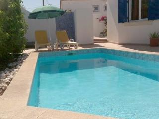 Holiday villa for up to 8 people in a  quiet location with private pool - PT-1077415-Carvoeiro-Portimão - Portimão vacation rentals