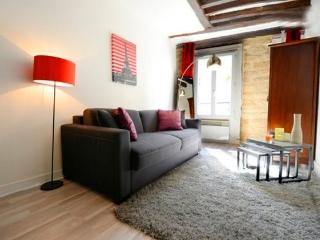 Studio Roi de Sicile - Marais St Paul - Paris vacation rentals