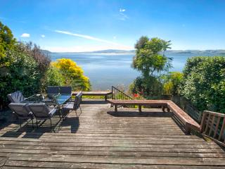 Piece of Paradise - Lake Rotorua Holiday Home - Rotorua vacation rentals