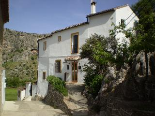 Small B&B in Montejaque near Ronda in Andalucia - Sierra de Grazalema Natural Park vacation rentals