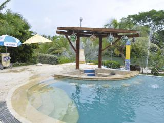 Villa Porto Do Son with private pool and beach! - Isla Baru vacation rentals