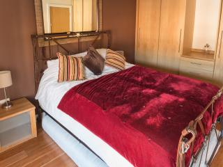 The Sapphire Suite, Luxury Apartment Birmingham, UK - West Midlands vacation rentals