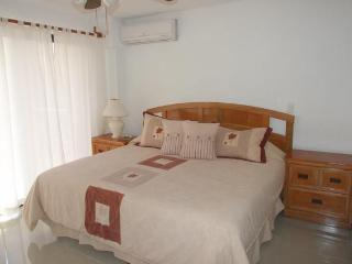Beautiful 3 bedrooms suite in beach front property in Cancun's hotel zone! - Cancun vacation rentals