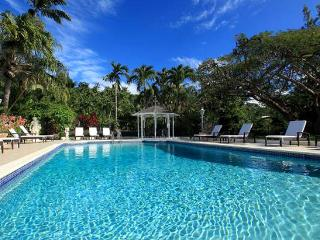 Barbados Villa 70 Located On The Edge Of The Sandy Lane Golf Course In The Sandy Lane Estate. - Terres Basses vacation rentals