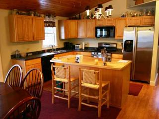 Cozy Stowe Bungalow - Stowe Area vacation rentals