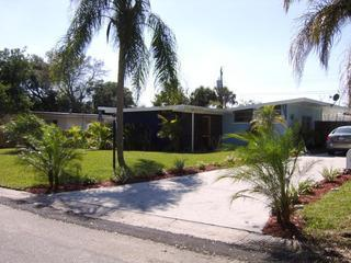 Quaint Vacation Home - Heated pool - 1mile to IMG - Bradenton vacation rentals