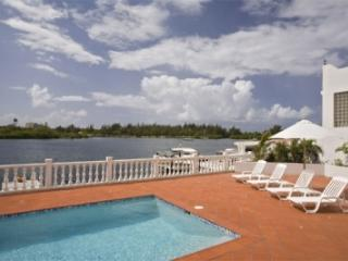 4 Bedroom Golf Course Villa in Pointe Pirouette - Maho vacation rentals